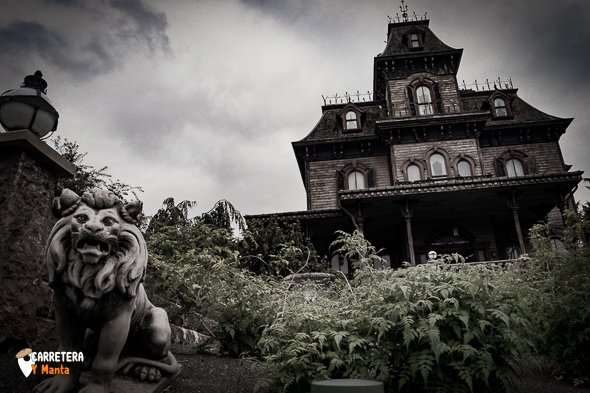 la casa del miedo en disneyland